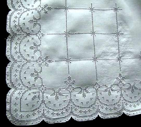 close up 2 vintage antique white linen tablecloth with handmade lace