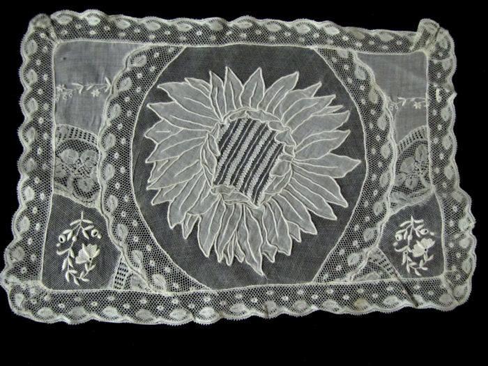 single normandy lace placemat 2