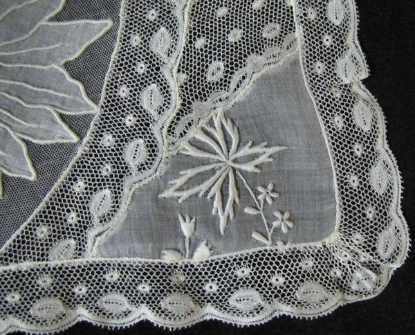 close-up normandy lace placemat 3