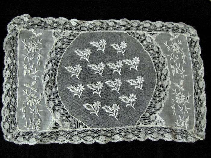 vintage normandy lace placemat single 6