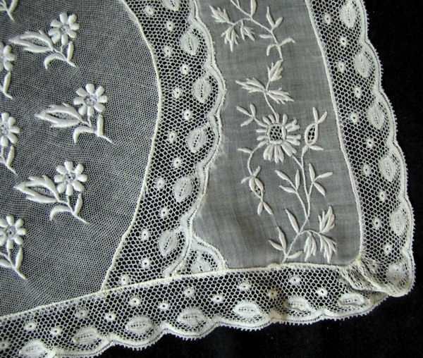 close-up vintage normandy lace placemat 6