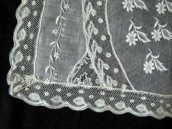 close-up vintage normandy lace placemat 7