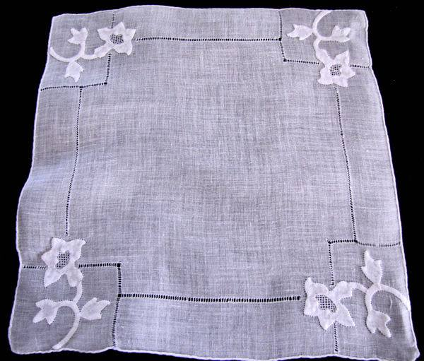 vintage handmade whitework hanky with applique and drawnthread lace