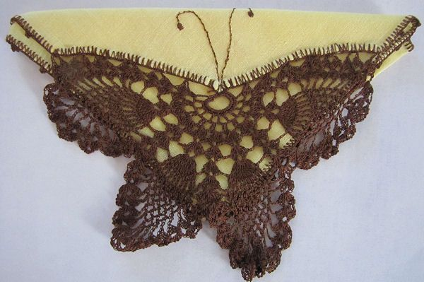 vintage irish linen hanky handmade figural lace