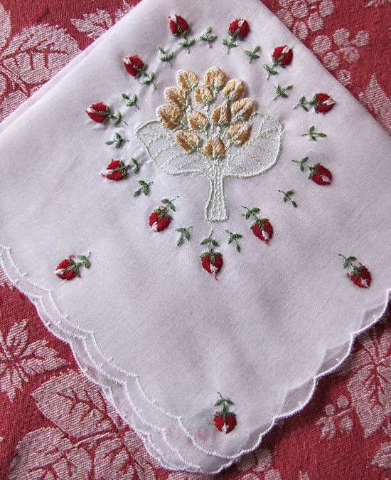 vintage embroidered hanky with rosebuds and jewelry pocket