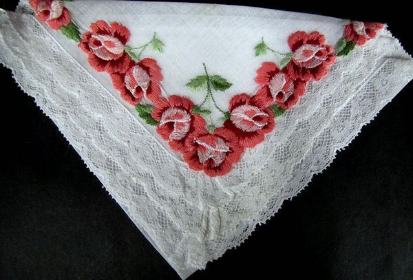vintage hanky embroidered roses lace edge
