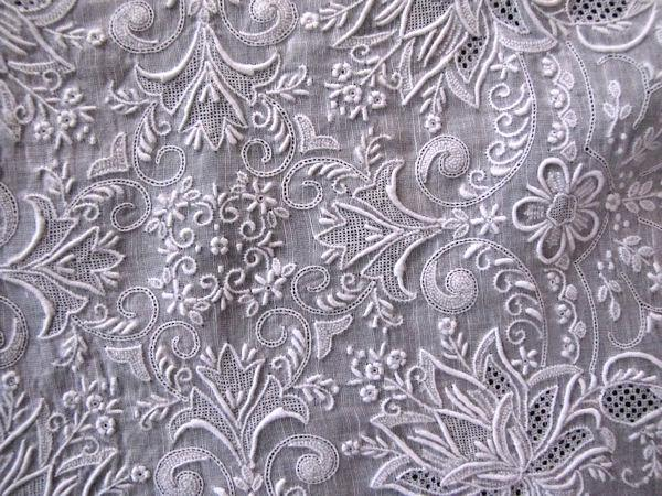close up 2 vintage antique whitework hanky Madeira embroidery