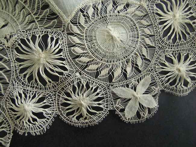 close up 2 vintage antique wedding hanky with handmade Tenerife lace