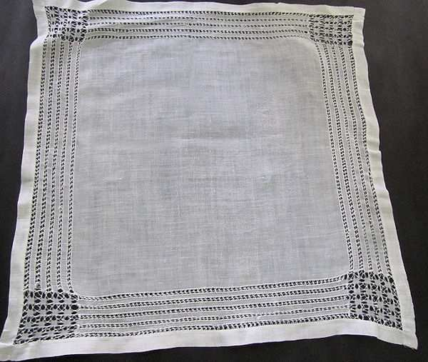 vintage handmade whitework hanky with drawnthread lace