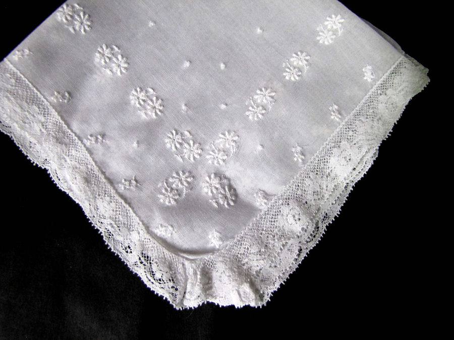 vintage antique wedding brides hanky french lace and whitework