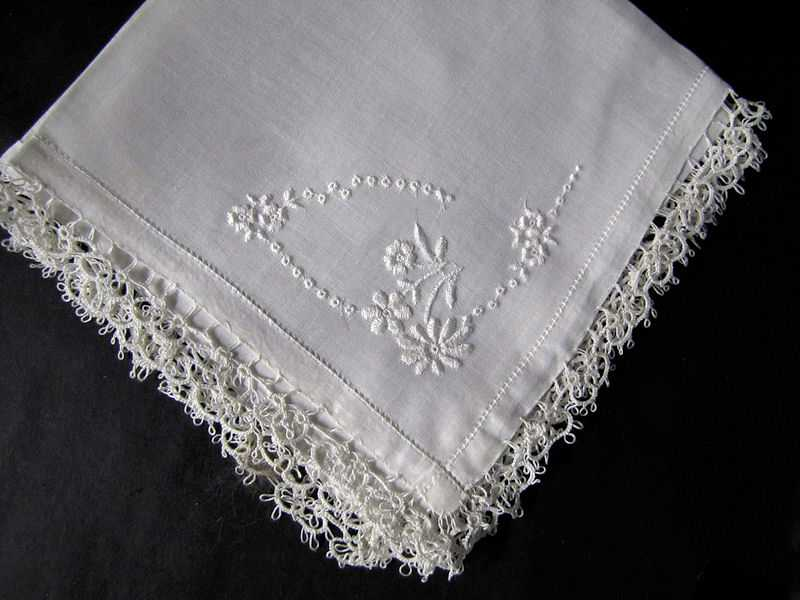 vintage antique irish linen hanky with handmade lace and whitework