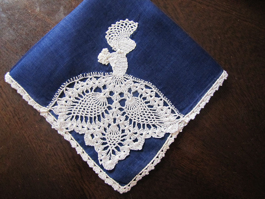 vintage antique irish linen hanky with handmade figural lace