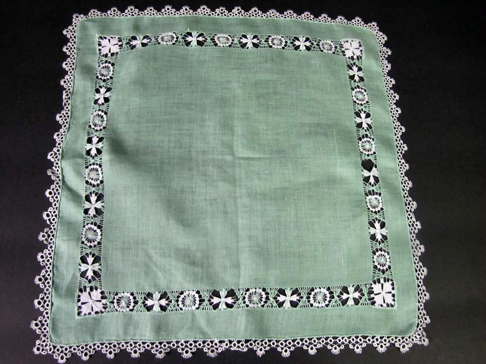 vintage antique  linen hanky with handmade lace