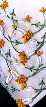 vintage embroidered hanky daisy chain