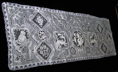 vintage antique table runner dresser scarf figural lace combination