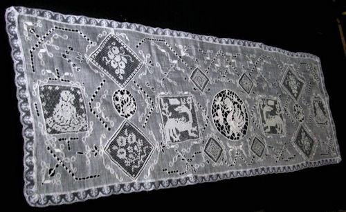 vintage antique table runner dresser scarf figural lace combination