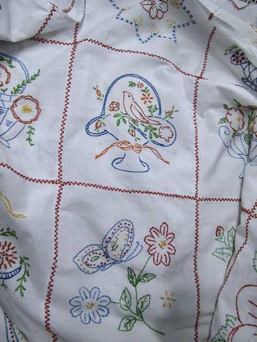 close up 6 antique double bedspread child's theme, kewpies, Winnie the Pooh, etc