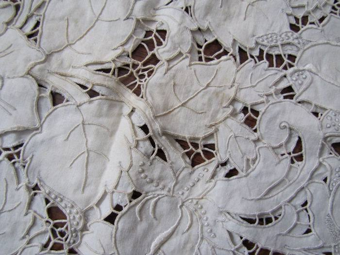 close up 6 vintage antique white linen tablecloth handmade lace and embroidery