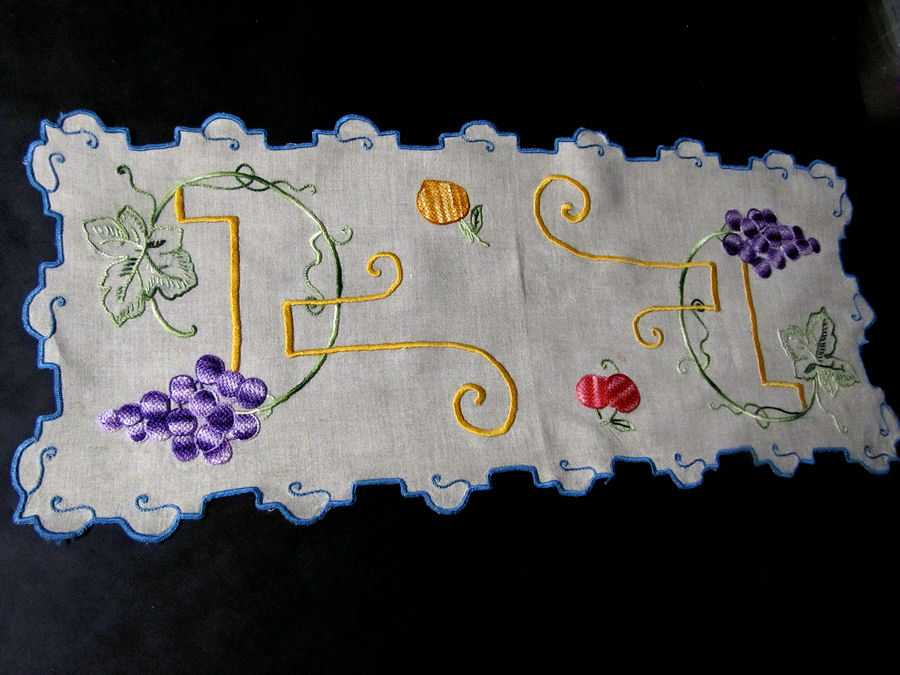 vintage antique table runner handmade arts and crafts