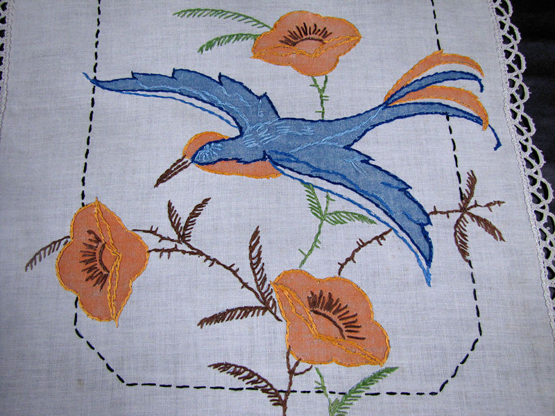 close up 2 vintage antique table runner handmade arts and crafts bluebird