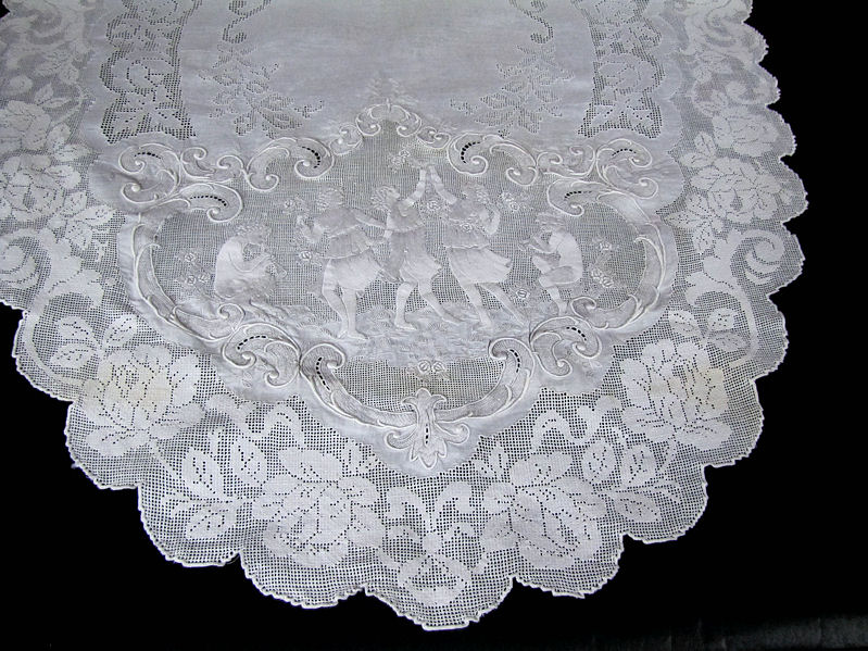 close up 8 vintage antique table runner handmade figural appenzell lace